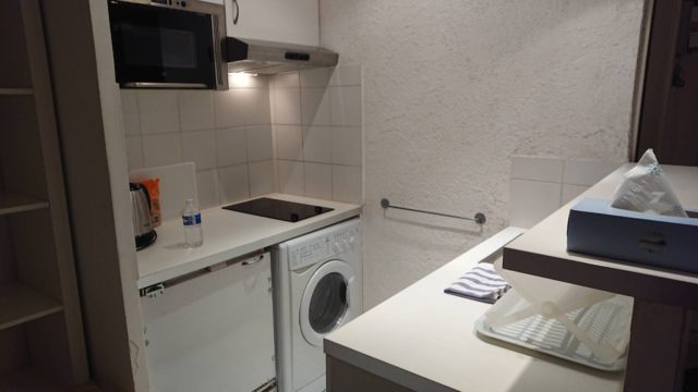 パリのアパルトマンのキッチン